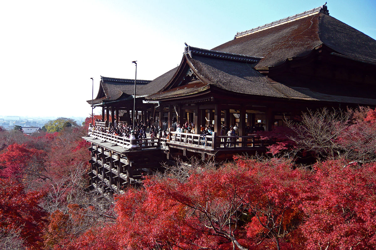 7_Kiyomizu-dera_in_Kyoto-r